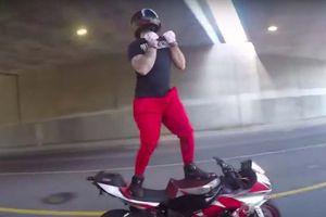 'Ngả mũ' với điệu nhảy trên nền nhạc In My Feelings của các biker