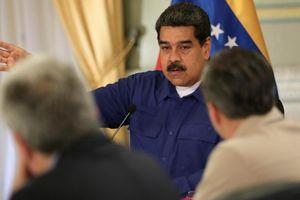 Venezuela: Chấm dứt cảnh 1 USD mua được 5 triệu lít xăng