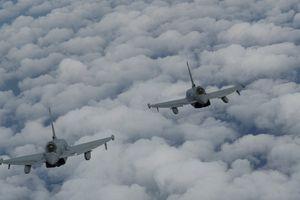 Sự thực việc Không quân Anh tuyên bố rượt đuổi và ép 6 chiến cơ Nga quay đầu trên Biển Đen
