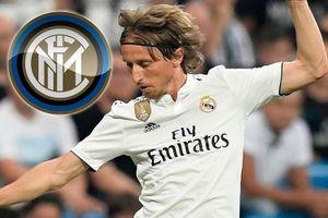 Real ra phán quyết vụ Inter 'đi đêm' với Modric