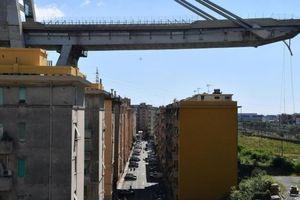 Vụ sập cầu tại Italy: Nhà thầu Autostrade per l'Italia đút túi bao nhiêu?