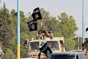 IS bất ngờ phát động cuộc tấn công lớn vào các mỏ dầu ở Deir Ezzor