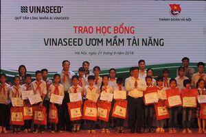 VINASEED trao 48 suất học bổng cho trẻ em vượt khó tại Hà Nội