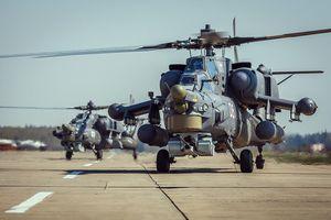 Phi công Nga nhào lộn mở màn khai mạc Diễn đàn ARMY 2018