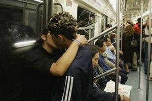 Nóng nhất hôm nay: Thành phố Mexico cho phép sex ở nơi công cộng