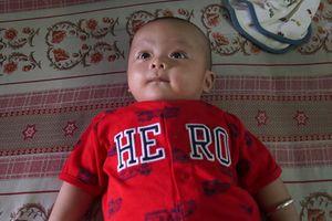 Bé trai 3 tháng tuổi bị bỏ rơi bên đường ở Đồng Nai