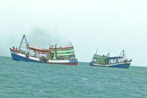 Hai ngư dân mất tích trên biển