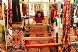 Nhiều hoạt động tại Lễ hội văn hóa thổ cẩm Việt Nam lần thứ I