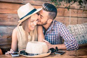 7 điều các cặp đôi mới yêu tưởng là lãng mạn nhưng thực chất lại quá vội vàng