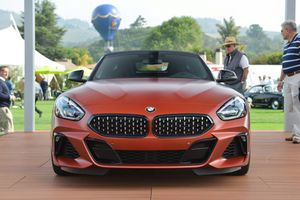 BMW giới thiệu mẫu Z4 2019 với những trang bị cao cấp nhất