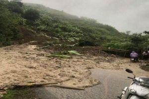 Sơn La: Mưa lớn kéo dài gây sạt lở đất, đá, Quốc lộ 279 tê liệt