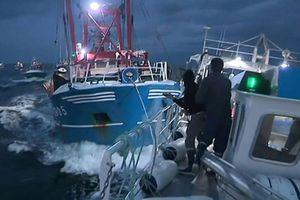 Tranh sò điệp, ngư dân Anh, Pháp 'hải chiến'