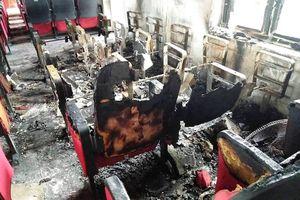 Thanh Hóa: Sau tiếng nổ lớn, trụ sở xã bốc cháy ngùn ngụt