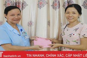 Tổ công tác xã hội bệnh viện đồng hành với bệnh nhân