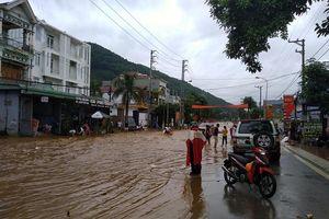 Sơn La: Mưa lớn làm ngập úng quốc lộ 6, thiệt hại nhiều tài sản