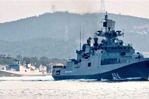 Nga dùng 25 chiến hạm và 30 máy bay đe Mỹ
