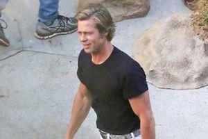 Brad Pitt vui vẻ trên phim trường sau thỏa thuận nuôi con với vợ cũ