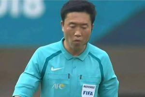 Trọng tài chính trở thành tâm điểm 'ném đá' khi Olympic Việt Nam thua