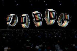 Mặt đồng hồ 'tự hào đồng tính' của Apple Watch bị khóa ở Nga