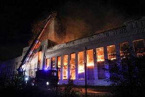 Hỏa hoạn tại các công trình nổi tiếng ở Anh và Brazil