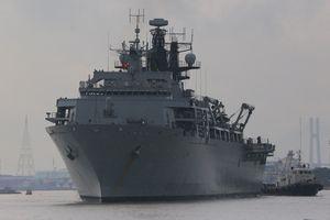 Tàu chiến 20.000 tấn cùng 500 binh sĩ Anh thăm TP.HCM