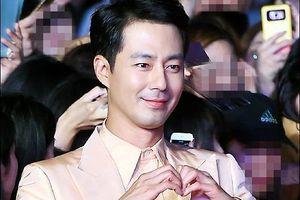 Jo In Sung ghi điểm nhờ đã đẹp trai còn cực kì ga lăng