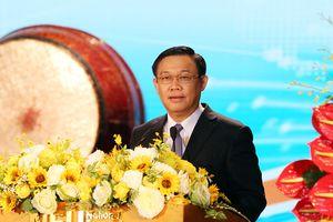Phó Thủ tướng: Sinh viên Kinh tế quốc dân có thể tạo việc làm từ khởi nghiệp thành công