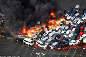Nóng nhất hôm nay: Hơn 100 xe hơi bốc cháy ngùn ngụt do siêu bão ở Nhật Bản