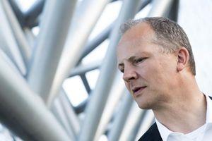 Bộ trưởng Giao thông và Truyền thông Na Uy hy sinh sự nghiệp vì vợ