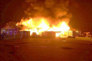 Trường tiểu học tại nước Anh cháy lớn ngay trước ngày khai giảng