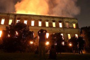 Cháy bảo tàng lịch sử 200 năm, chính phủ Brazil đối mặt lửa giận từ dân
