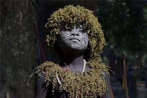 Sự thật kinh ngạc bộ lạc 55.000 năm tách biệt TG bên ngoài