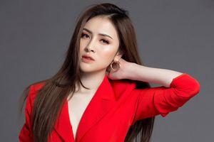 BTC 'Người mẫu Thời trang Việt Nam' nói gì về việc tước danh hiệu Á quân của Thư Dung?