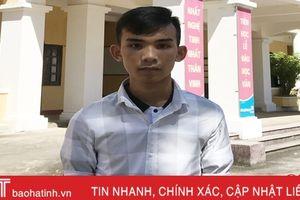 Thương cha mẹ nghèo, nam sinh Hà Tĩnh bỏ ĐH Luật Hà Nội để học nghề