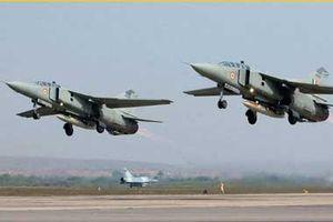 Khoảnh khắc MiG-27 của Ấn Độ nổ tung khi đang cất cánh