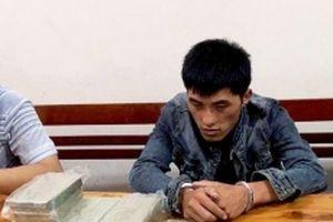 Bắt đối tượng người nước ngoài vận chuyển 10 bánh heroin và một kg ma túy đá