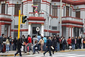 Người Venezuela 'xếp hàng' để về nước bất chấp khủng hoảng