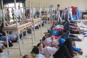 Hàng chục công nhân Yên Bái bất ngờ nhập viện cấp cứu