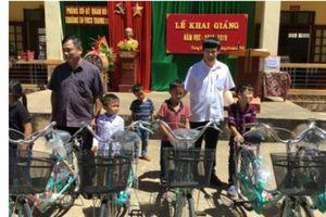 Trao tặng 180 xe đạp cho học sinh nghèo vượt khó Thanh Hóa