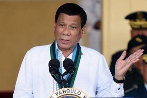 TT Duterte: Người bạn Donald Trump làm kinh tế Philippines bất ổn