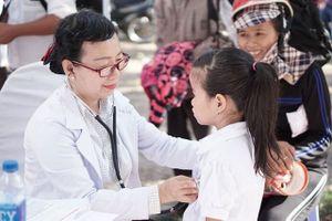 Vinamilk trao 64.000 ly sữa cho trẻ em tỉnh Bình Định