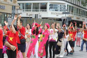 Giữ gìn văn hóa Việt ở Đức