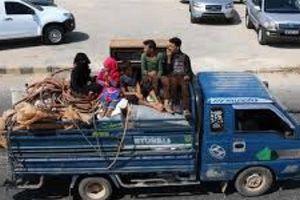 Hàng trăm gia đình rời khỏi Idlib do lo sợ không kích