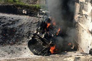 Cao tốc Nội Bài- Lào Cai tạm 'đóng cửa' với xe trên 10 tấn sau vụ cháy xe chở xăng