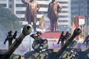 Ông Donald Trump cảm ơn ông Kim Jong-un vì 'duyệt binh không tên lửa, hạt nhân'