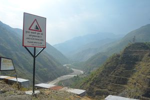 Ấn Độ phục hồi dự án đập gây tranh cãi