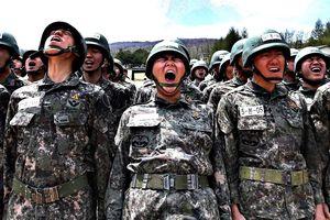 Nhóm sinh viên Hàn Quốc bị phát hiện tăng cân để trốn nghĩa vụ quân sự