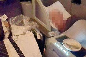 Hành khách sốc vì phi công ngủ trong khoang hạng nhất