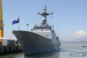 Tàu khu trục Hải quân Hàn Quốc cập cảng Đà Nẵng