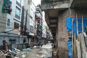 Khu nhà tiền tỷ biến thành 'khu ổ chuột' giữa Thủ đô Hà Nội